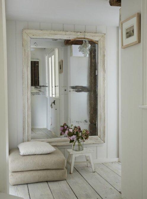 ingresso con specchio grande