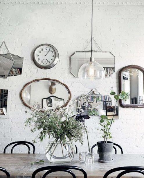 specchi parete mattoni